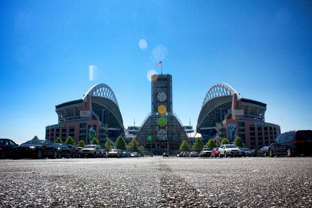 Stadiums Around the NFL – On The Go Extra