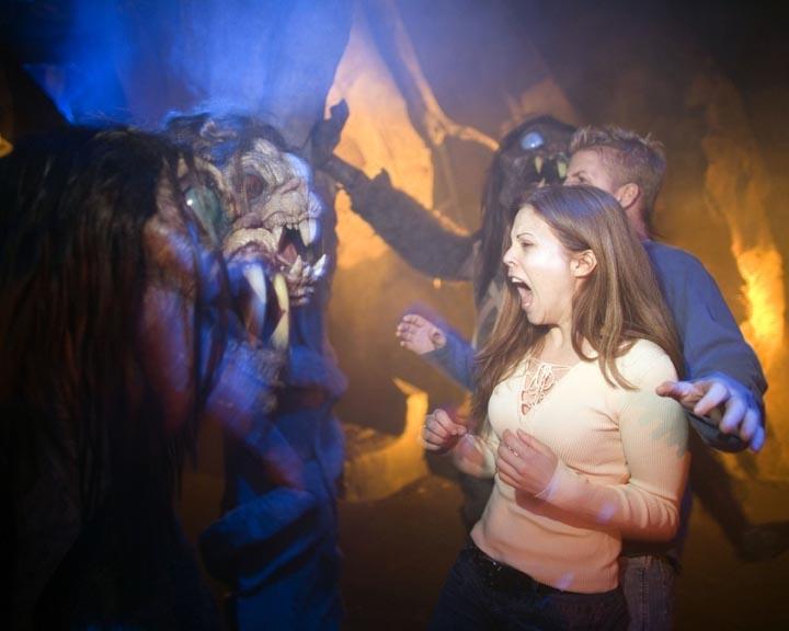 On the Go Extra: Halloween Horror Nights
