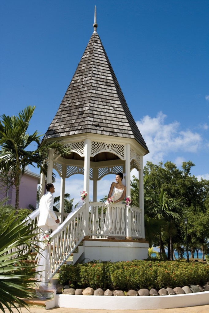 Perhaps a gazebo surrounded by a lavish garden is your ideal setting for a wedding in paradise.