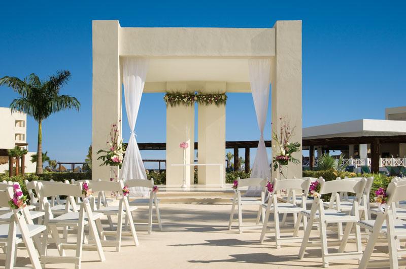 Destination Weddings At AM Resorts