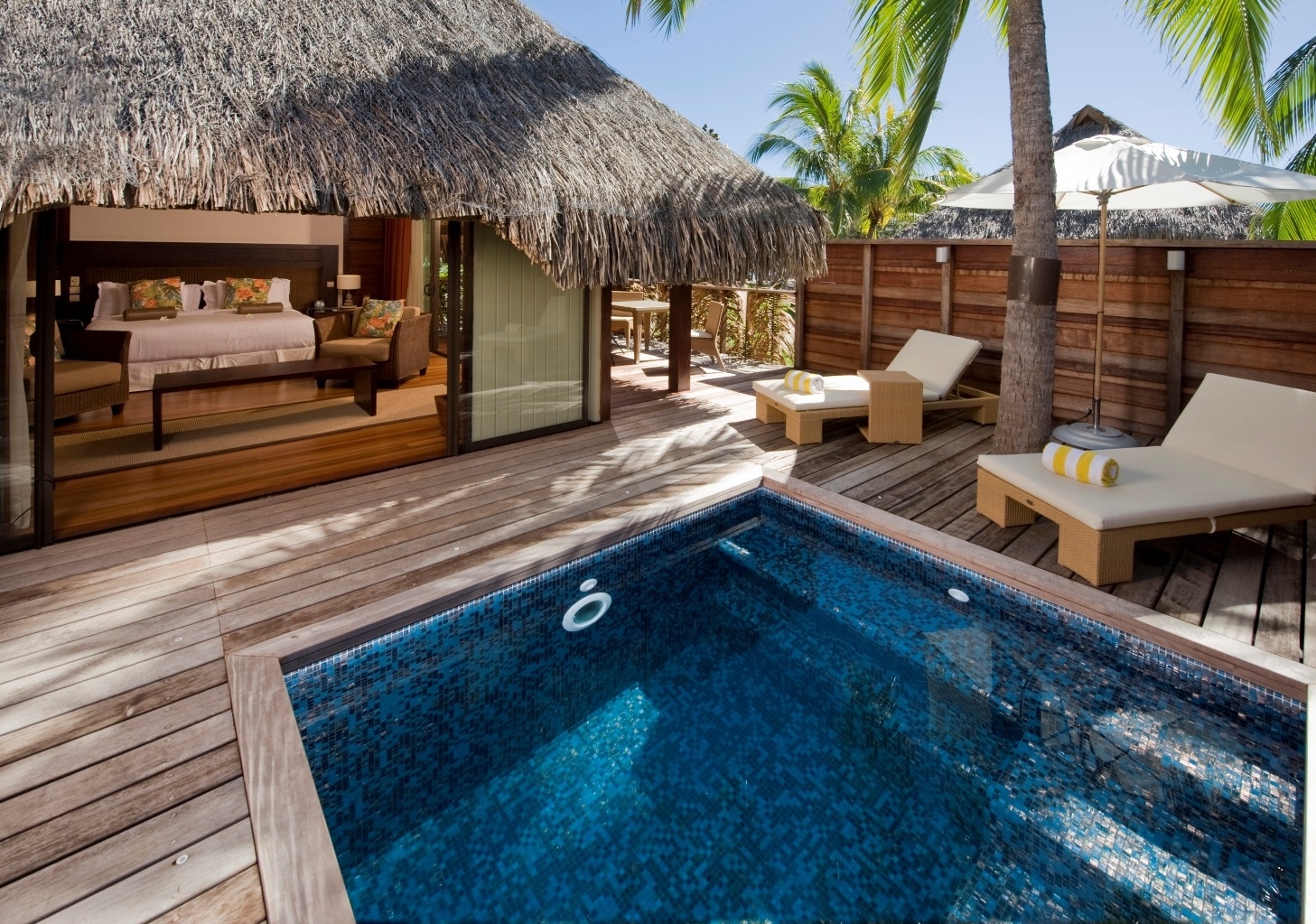 Top ten resorts in the south pacific for Garden pool bungalow