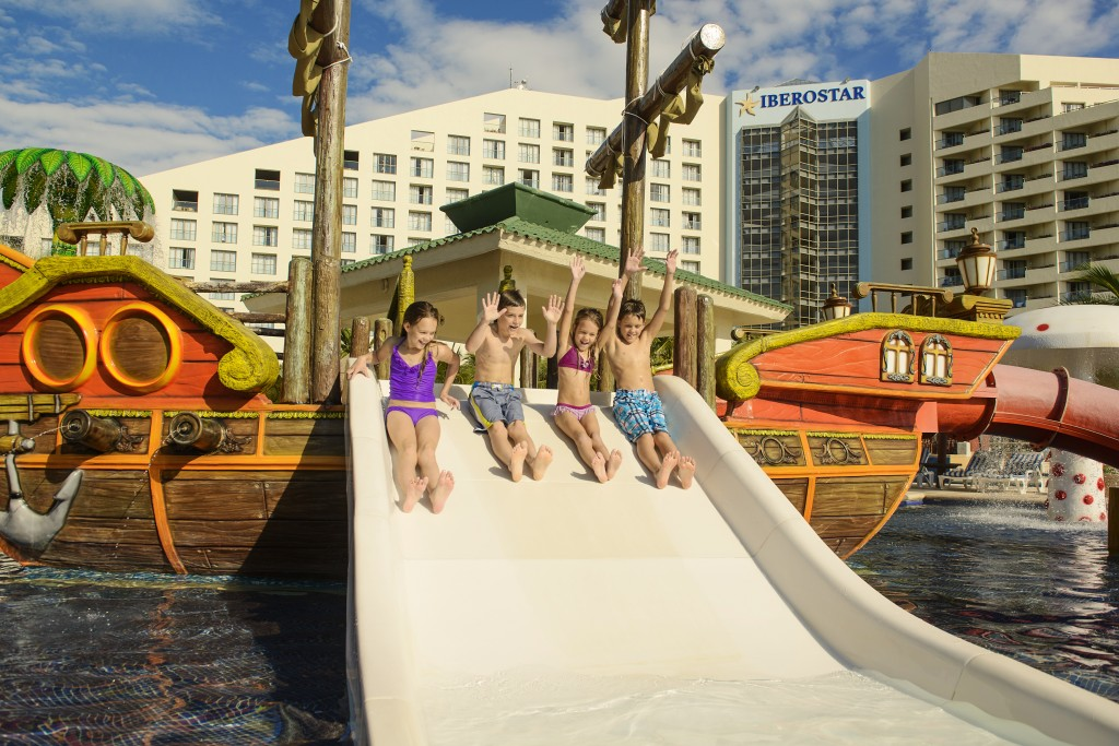 Wheee!  IBEROSTAR Cancun (Credit: Richard Kohler/IBEROSTAR)