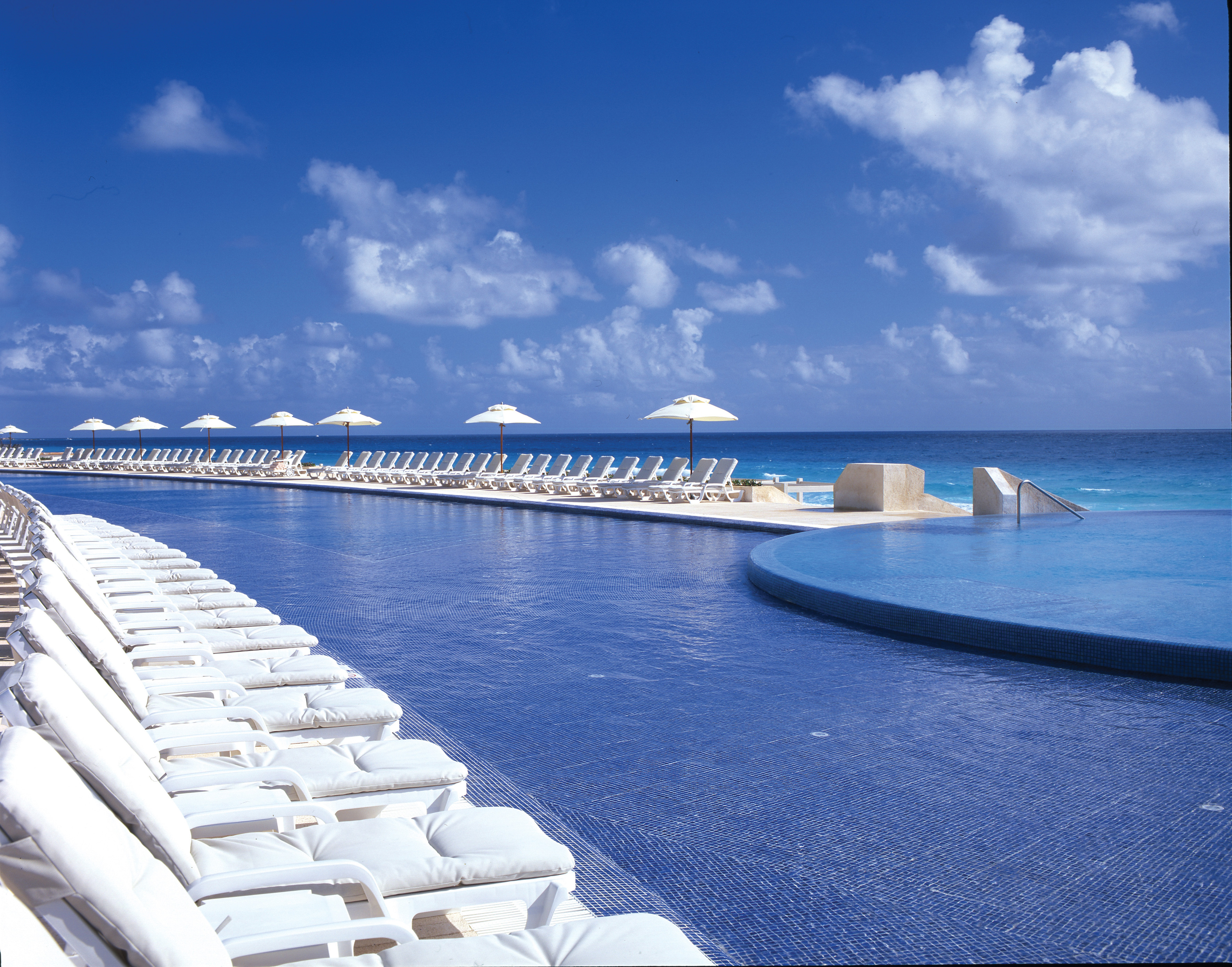 Five last minute escapes to paradise for How many rooms at live aqua cancun