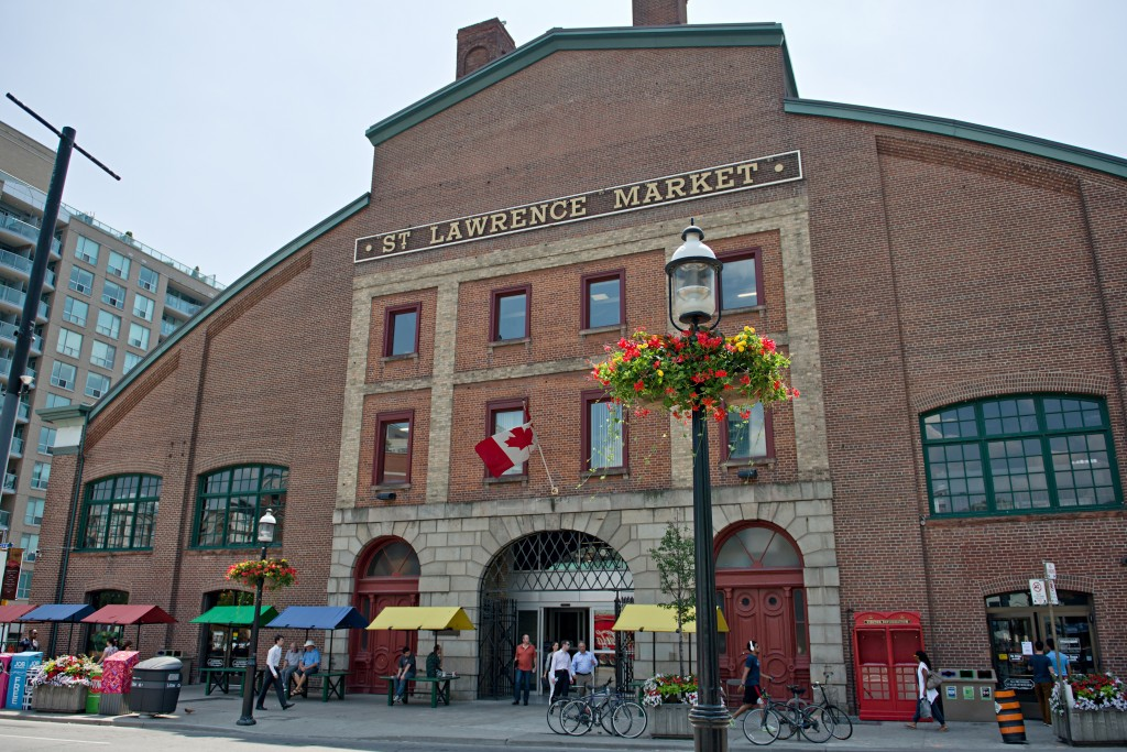 St. Lawrence Market (Credit: Clifton Li)