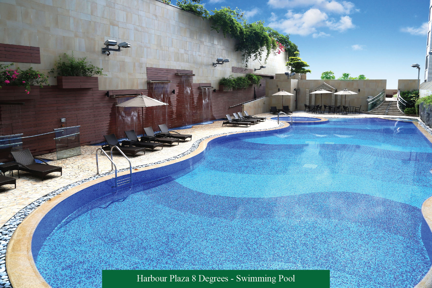Eight degrees of awesomeness harbour plaza 8 degrees for Garden city pool 2015
