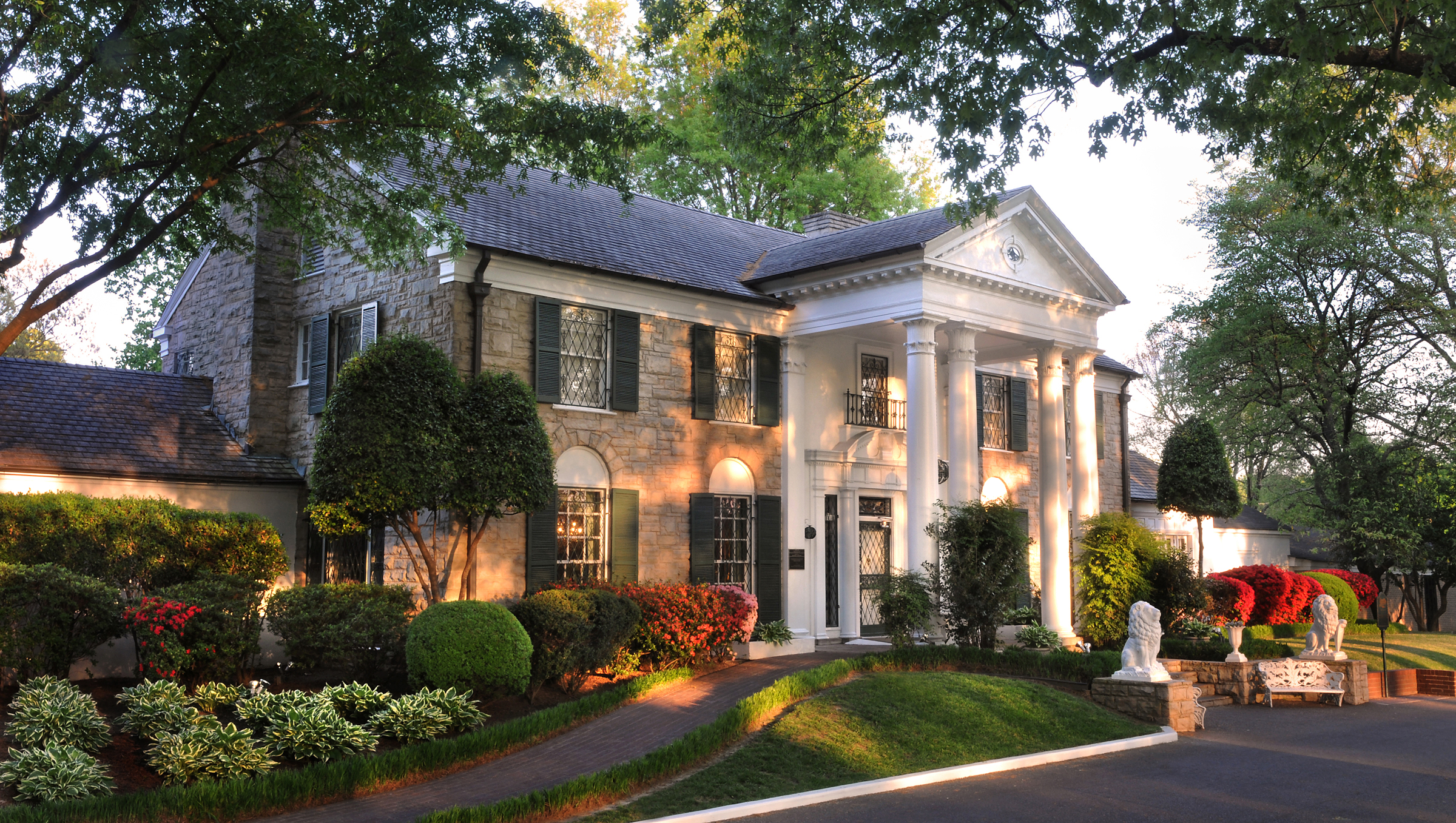Conspiracy Sites: Graceland
