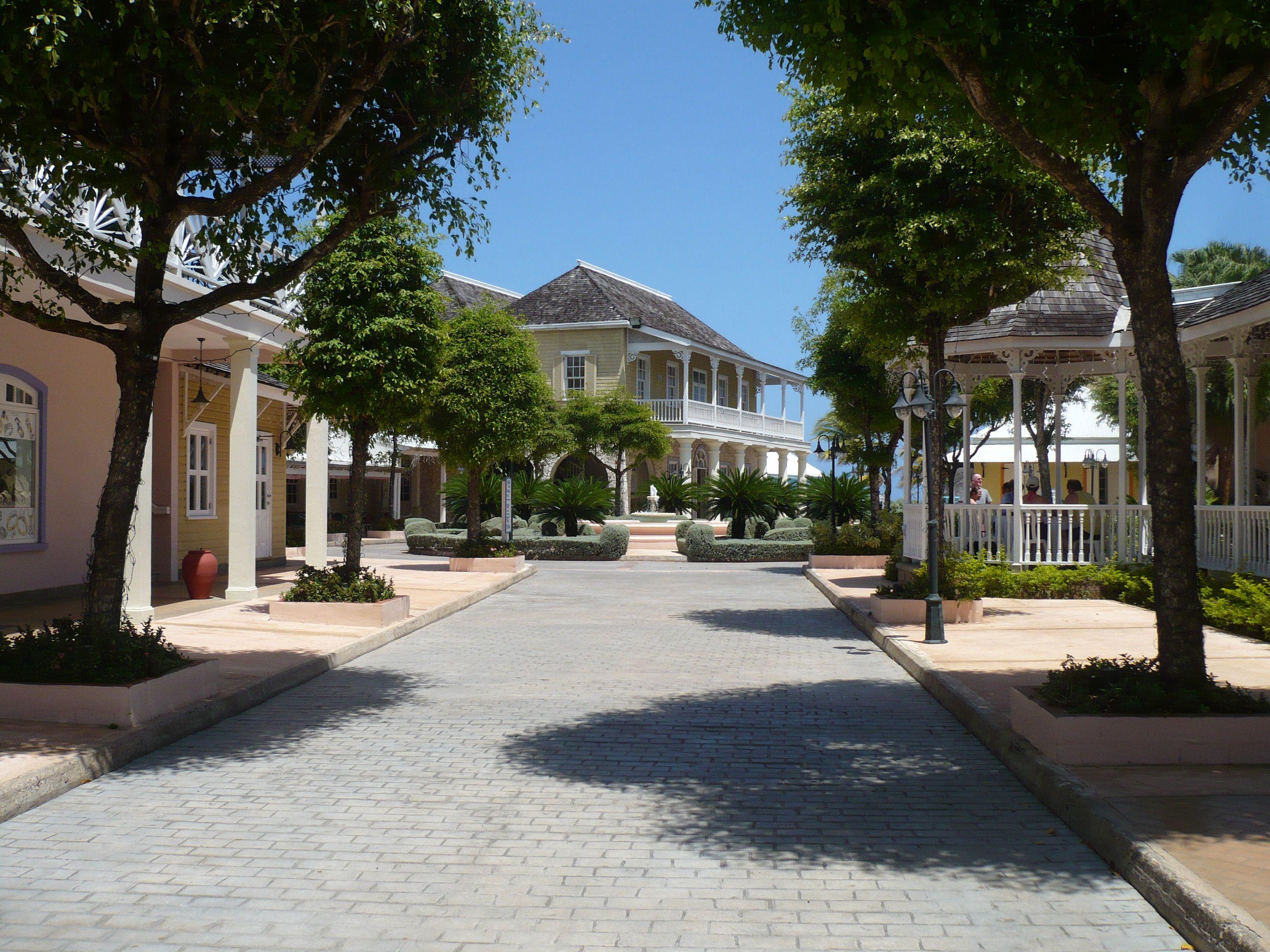 Let's Talk about Melia Braco Village