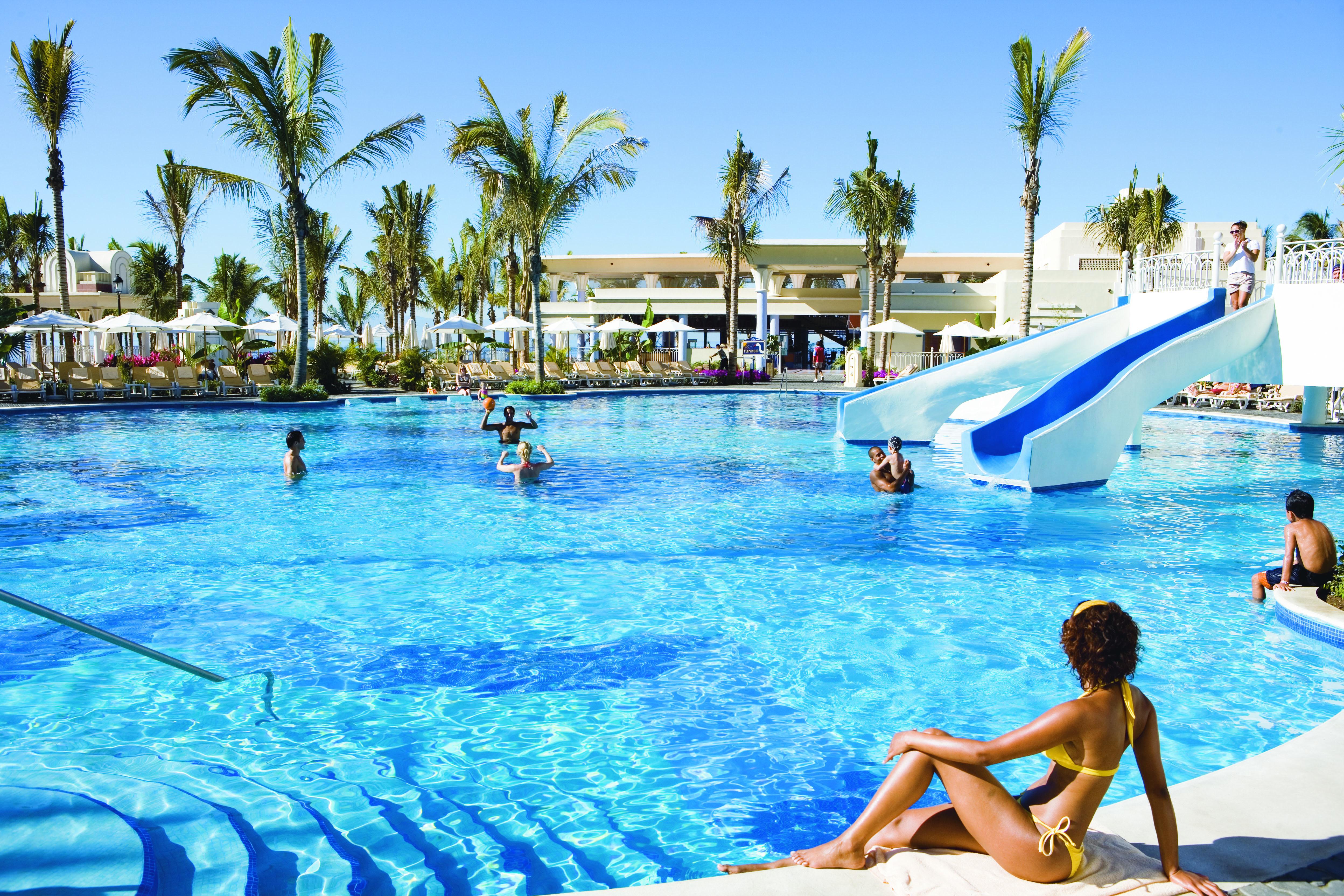 Best Restaurants At Riu Vallarto Hotel