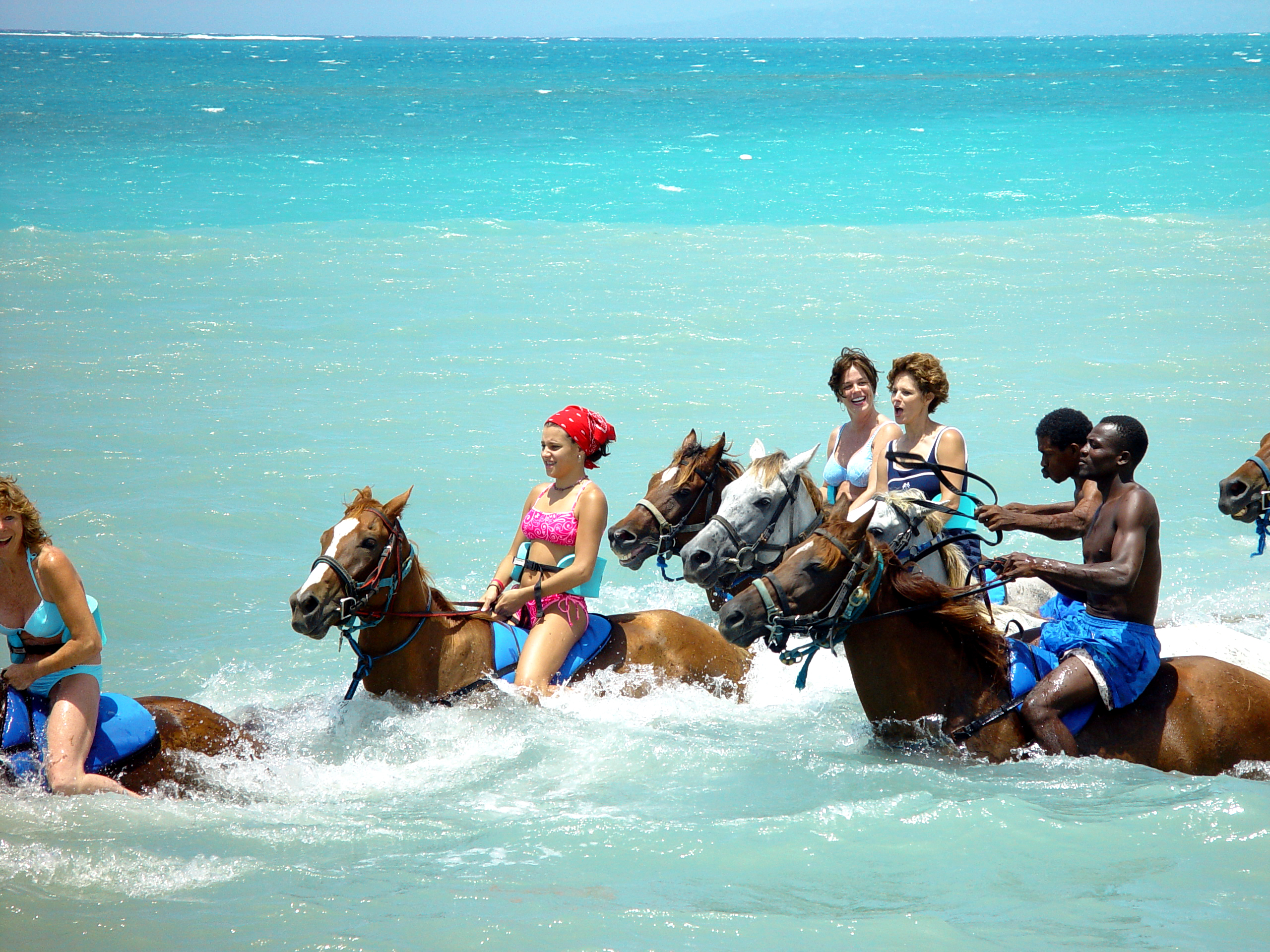 Jamaica is Jammin' for Families | GOGO Vacations Blog