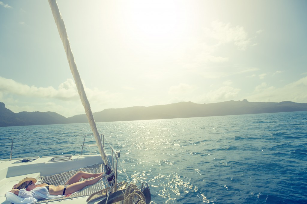 A sailing adventure around the Whitsunday Islands is just whant your wandering heart needs.