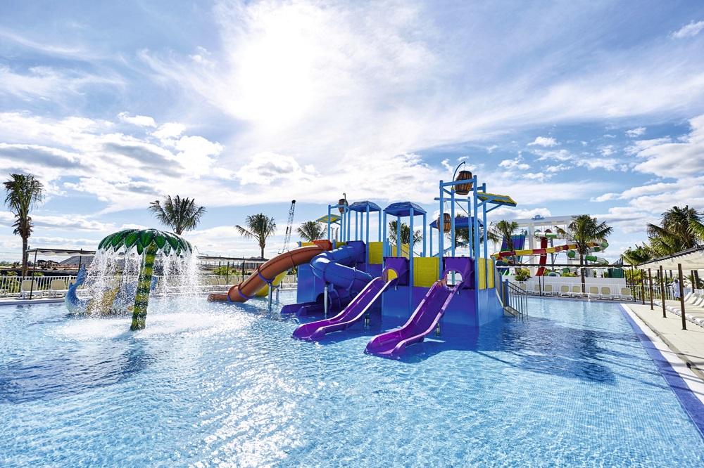 Kid's pool 2
