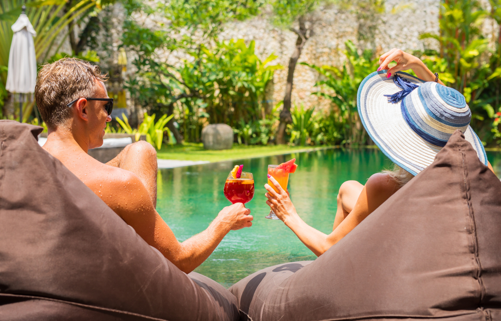Top 10 Items on Your Romantic Getaway Checklist
