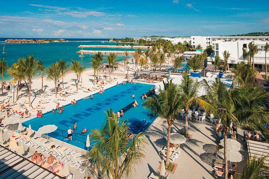 piscina-hotel-riu-reggae-3_tcm55-169058