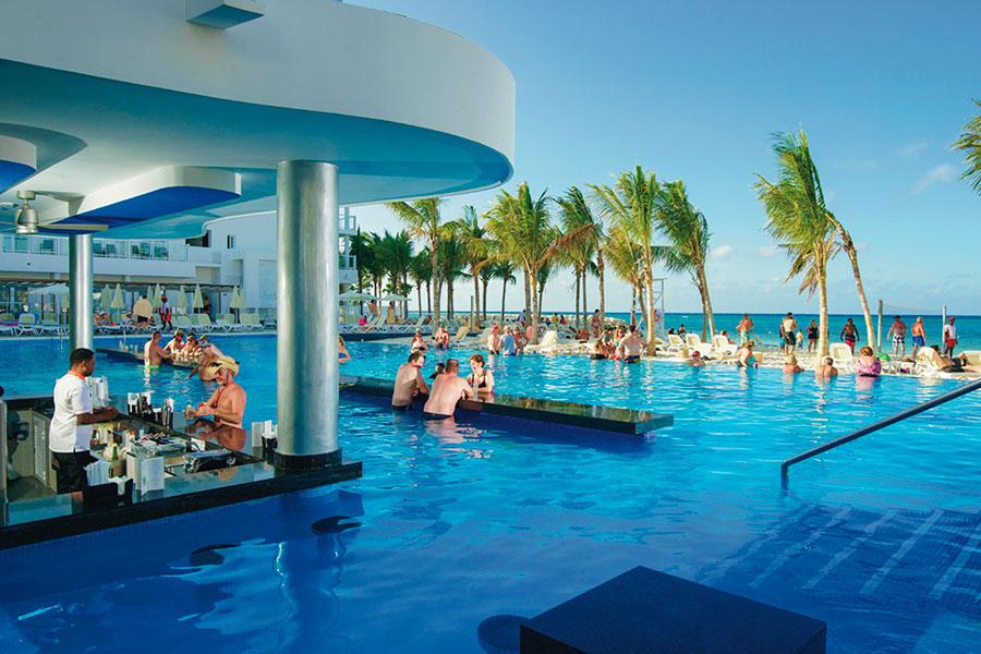 piscina-hotel-riu-reggae-5_tcm55-169061